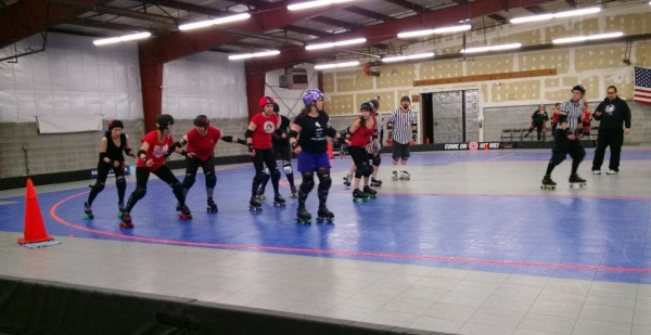 That's me on the far left of the pic trying to jam my way past team red!